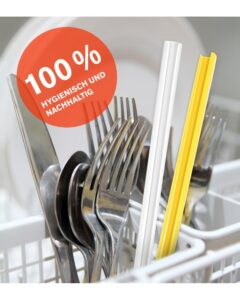 Reusable straws open into two parts for dishwasher washing